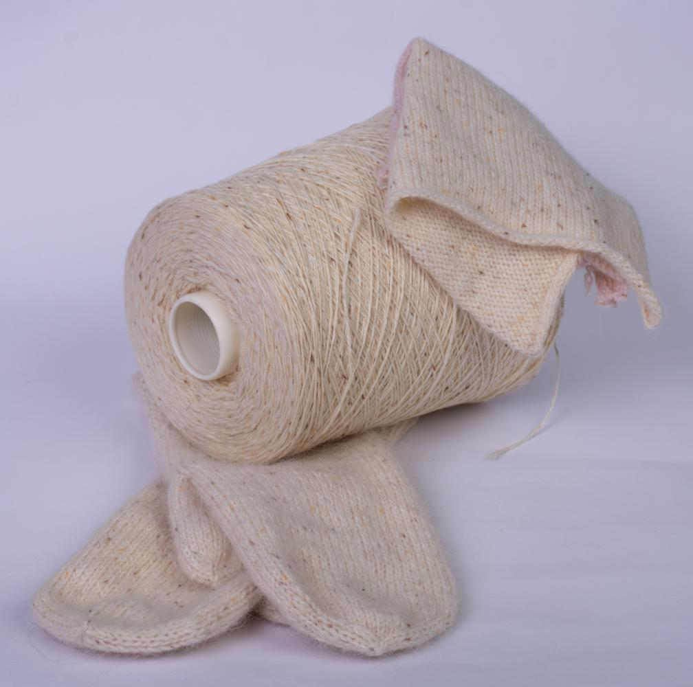 Angora tweed  молочная с твидовым вкраплением